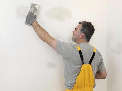 Сколько сохнет шпаклевка Время высыхания на стенах и потолке перед поклейкой обоев как быстро высыхает 1 слой